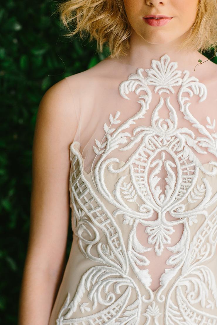 modern-foodie-woodland-wedding-inspiration-dress-detail